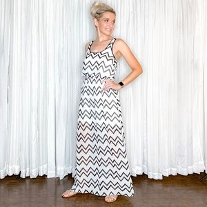 Dresses - Black White Chevron Maxi Dress